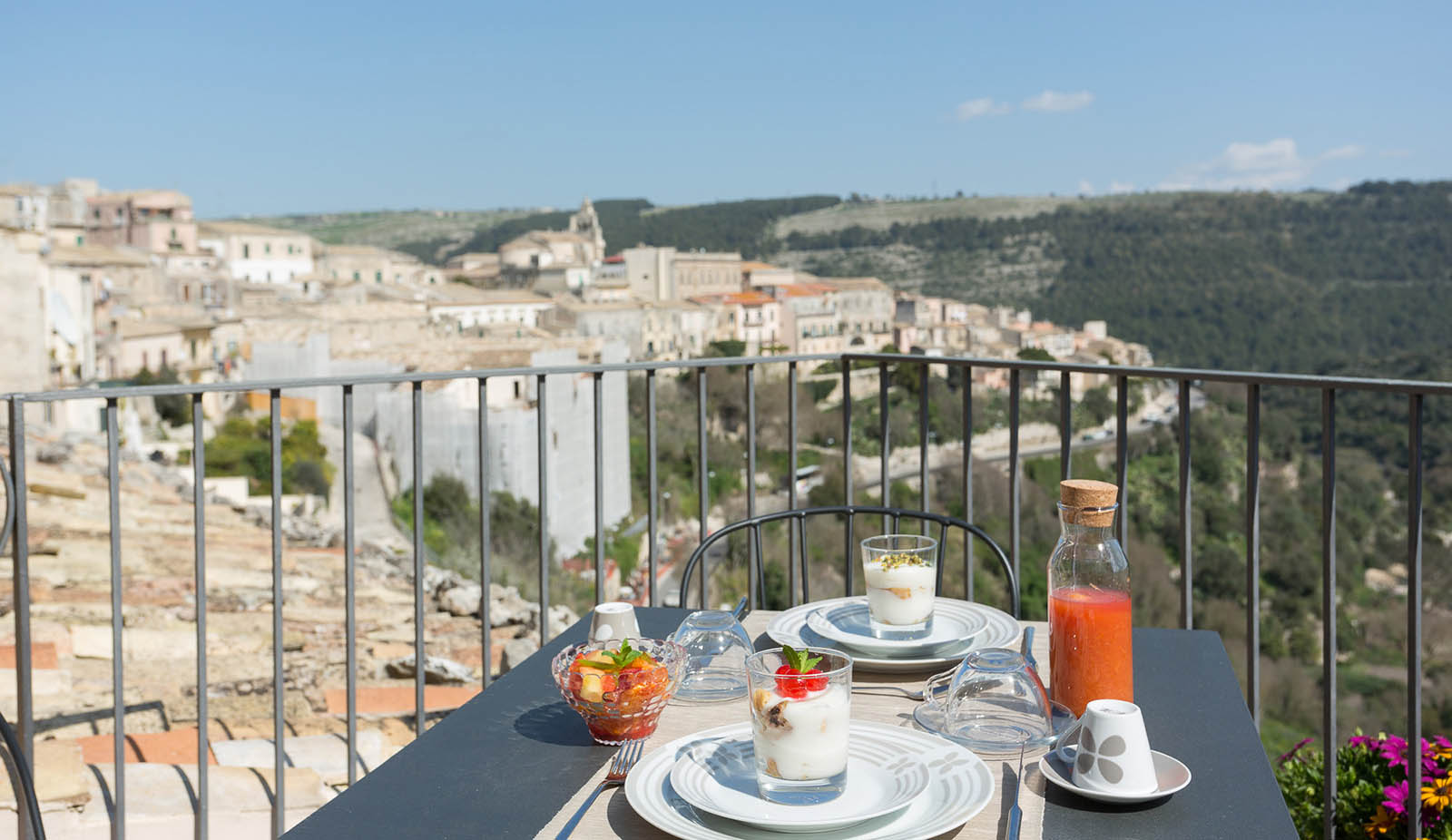 Breakfast with panoramic view
